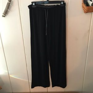 DKNY • slouchy black sweatpants